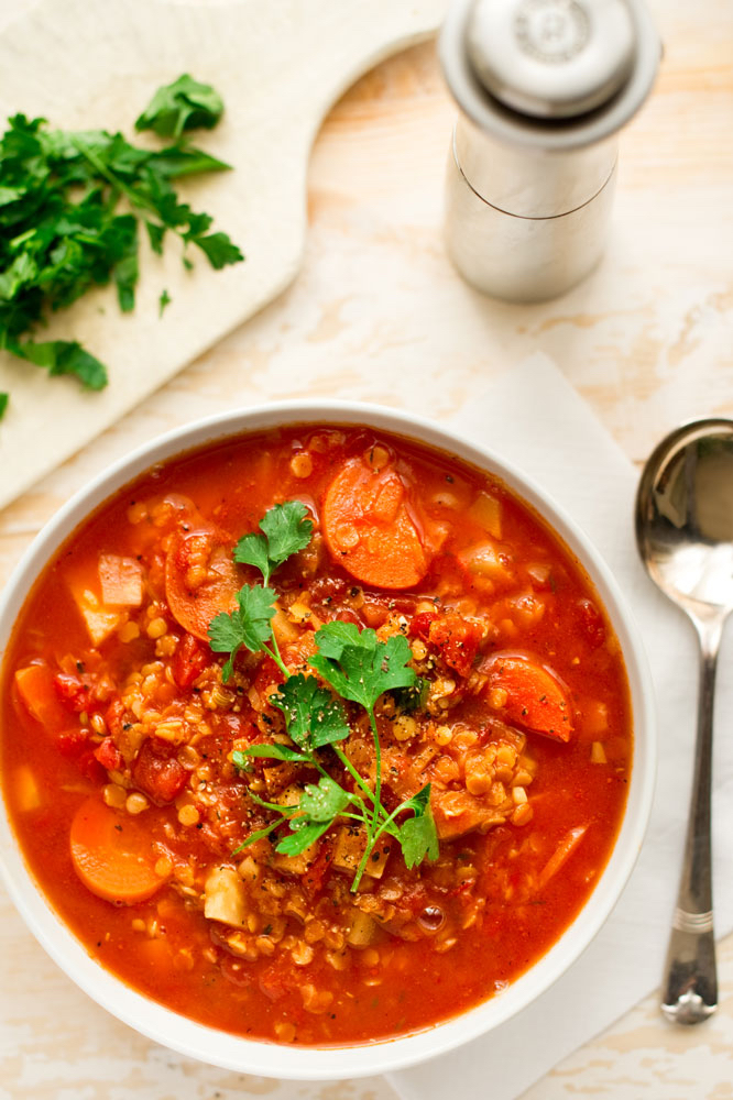 Red-lentil-&-tomato-soup-with-parsley_pt