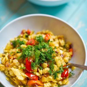 Star-Pasta-Middle-Eastern-Way-with-Tricolore-Paprika-&-Dill_pt