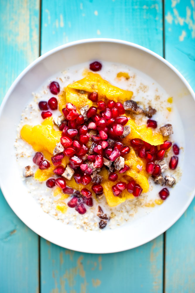 Bircher-Musli-with-Mango-Shavings-&-Pomegranate_pt