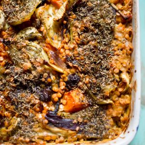 Red-lentils-bake-with-fennel,-lemons-&-prunes_pt