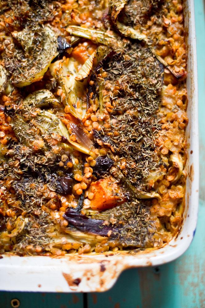 Red-lentils-bake-with-fennel,-lemons-&-prunes_pt