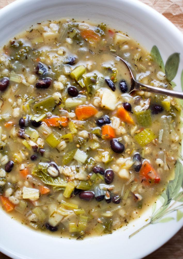 Pearl-Barley,-Kale-&-Black-Bean-Soup_pt